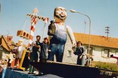 1990_04